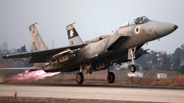Az izraeli légierő szíriai katonai állásokat bombázott